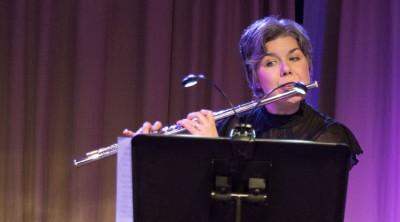 Porträttbild på Jill Widén.