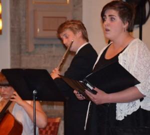Sångare, flöjtist och cellist.