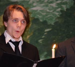 Kävestaelev sjunger i Kumla kyrka