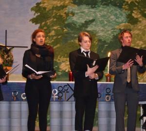 Fem Kävestaelever sjunger i Kumla kyrka