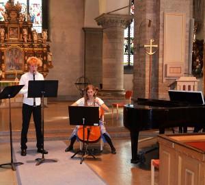 Kammarmusikensemble med två flöjtister, en cellist och en pianist.