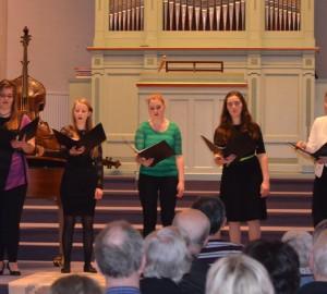 Vokalensemble med fem deltagare.