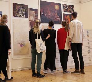 I konst- och formgivningslinjens ateljé fanns möjlighet att ta del av årets verk.