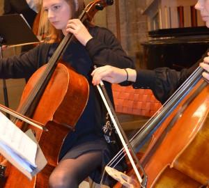Två cellister.