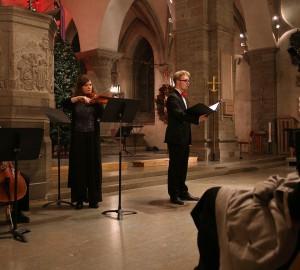 Cellist, violinist och sångare.