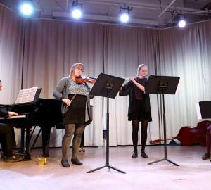 Ensemble med pianist, violinist, flöjtist och cellist.
