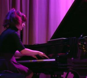 Pianist vid flygel