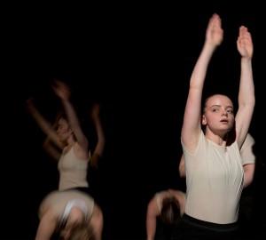 Opaque - Danslinjens slutproduktion 2017 - 19