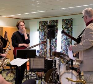 Staffan William-Olsson repeterar med jazz-, pop- och rockinriktningen.