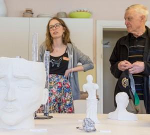 Konst- och formgivningslinjen ställde ut keramik i konsthuset.