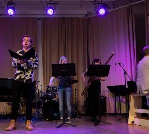 Musiklinjen bjöd även på klassisk musik i aulan.