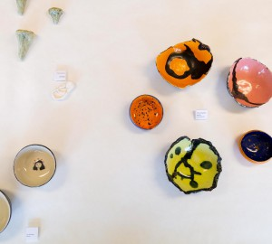 Konst- och formgivningslinjen visade upp olika verk i keramik.