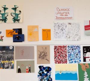 I måleriateljén hängde exempel från konst- och formgivningslinjens teckningslektioner.